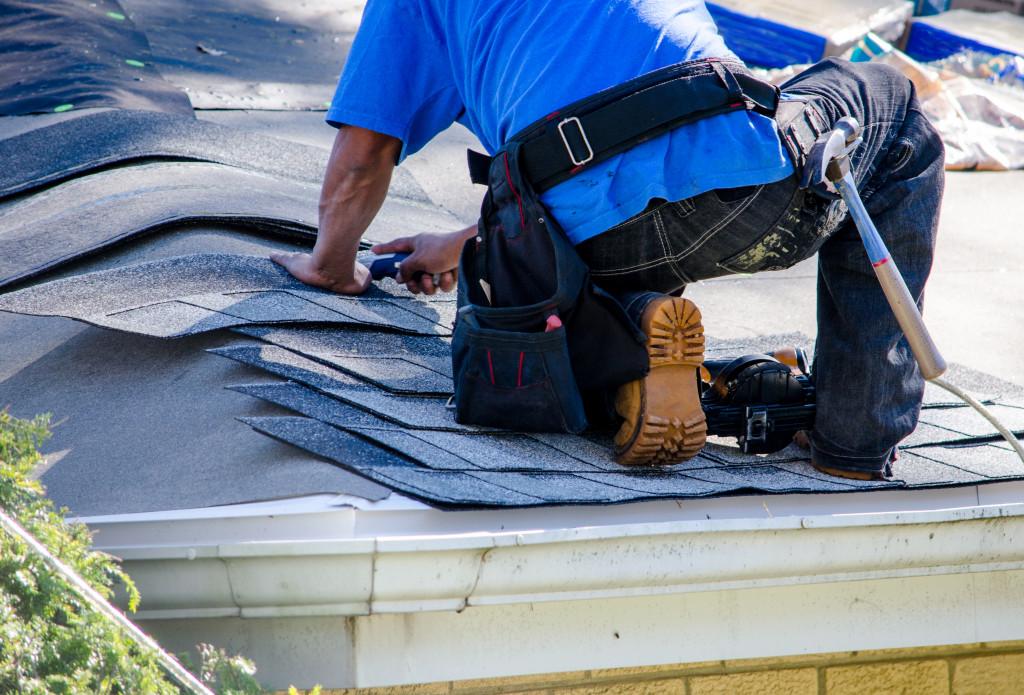 fixing roof tiles